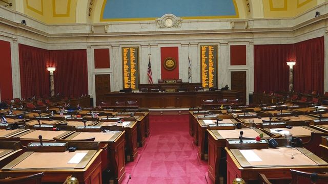 LATEST: Gov. Justice chooses replacement for Greenbrier County Senator