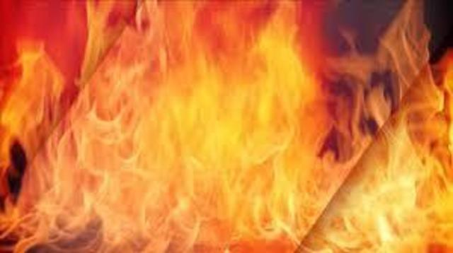 Fire crews respond to structure fire in Oak Hill