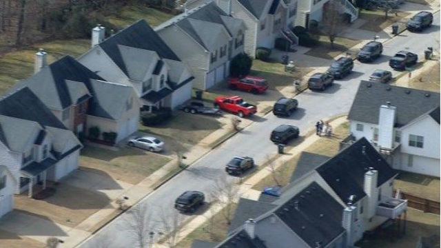 3 officers shot in Locust Grove; suspect and one officer dead