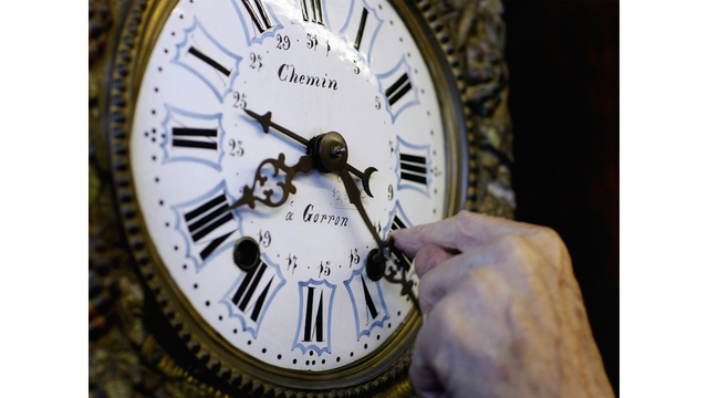 Floridians push for yearlong daylight savings time
